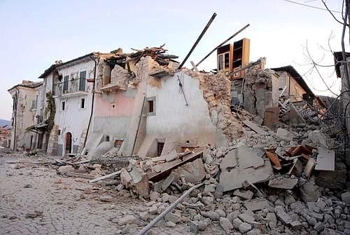 Terremoto abruzzo non lasciamoli soli caudium - Casa senza fondamenta terremoto ...